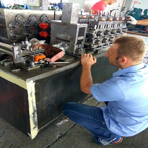check the cold roll forming machine.jpg